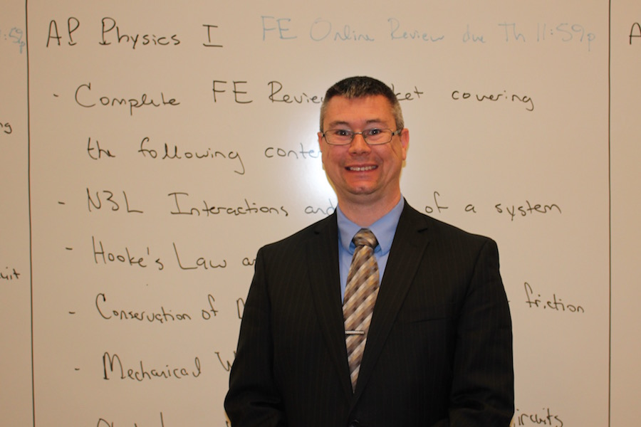MAKING+CHANGE%3A+Physics+teacher+Ben+Grimes+takes+a+hold+of+two+prestigious+awards.+Grimes+has+spent+his+teaching+career+attempting+to+rewrite+the+standards+for+physics+all+across+the+state+of+Indiana.++